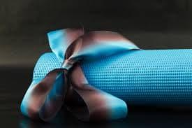 Подарок для йога. Что подарить йогу?