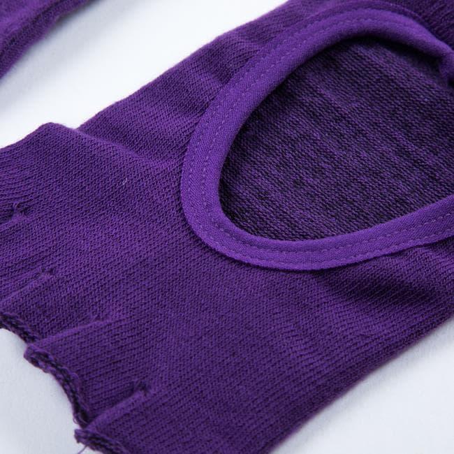 Носочки с вырезом для йоги фиолетовые фото