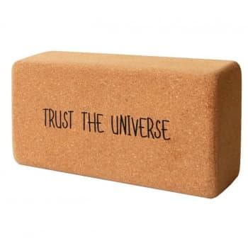 Кирпич для йоги из пробки с принтом Trust the Universe (под заказ из СПб)