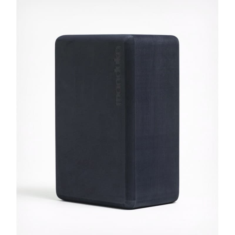 Блок для йоги из EVA пены Manduka recycled foam yoga block 10х15х23 Midnight (под заказ из СПб)