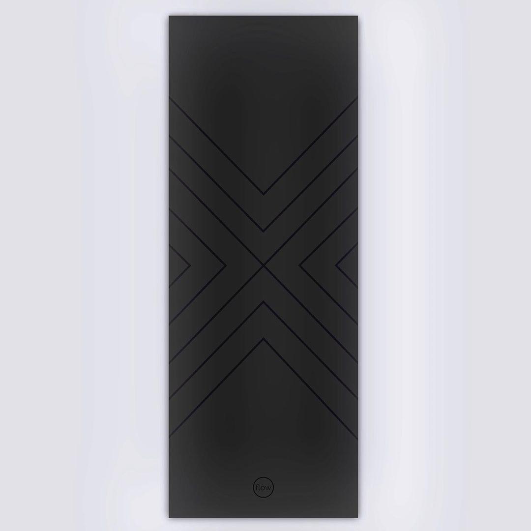 Коврик для йоги Black stripes