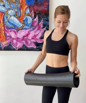Коврик для йоги MUNARI BLACK 4,5мм 68x185см Yoga Club из каучука с покрытием non slip