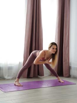 Коврик для йоги OM PURPLE 4,5мм 68x185см Yoga Club из каучука с покрытием non slip